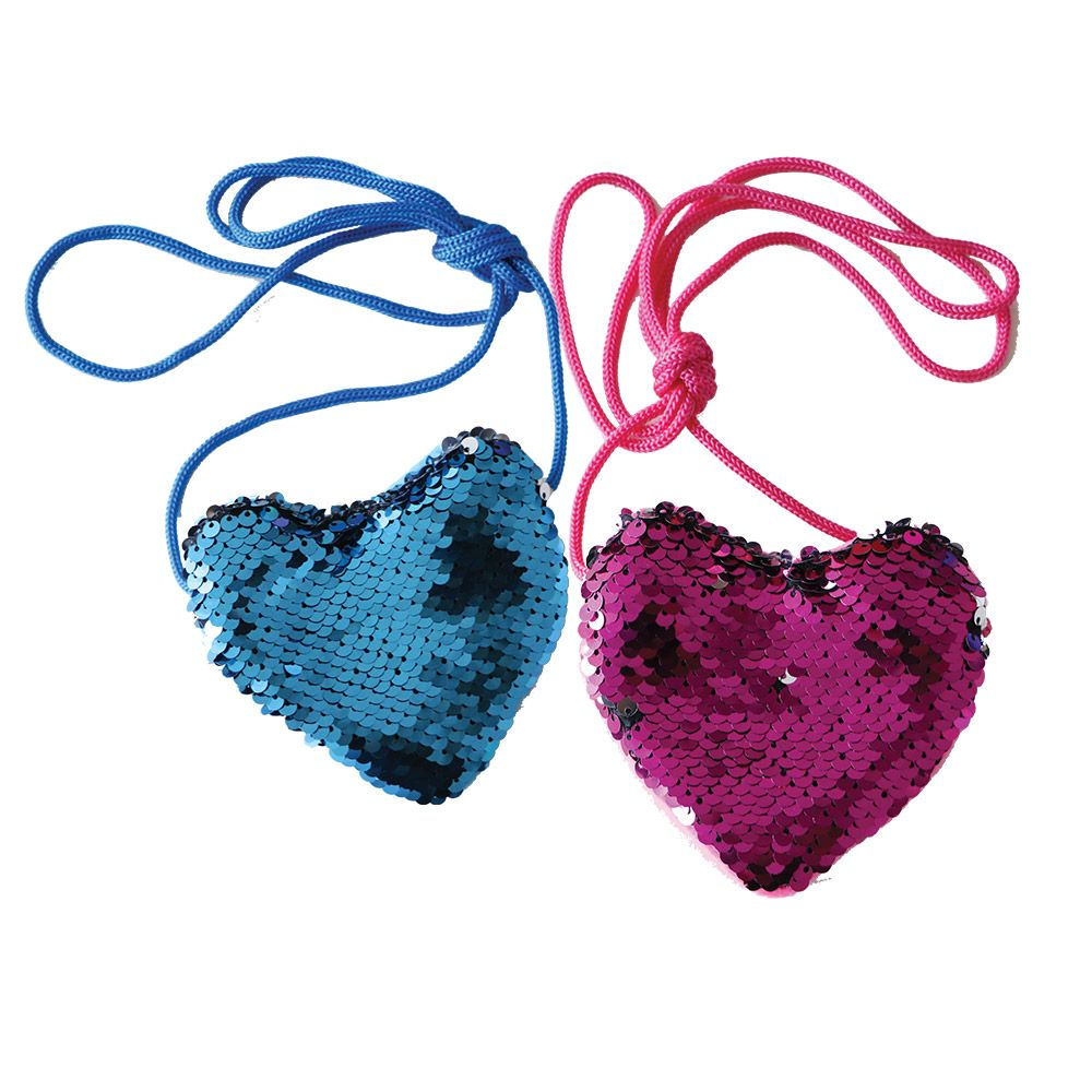 Geanta mica de umar rotunda cu paiete in forma de inima imagine hippoland.ro