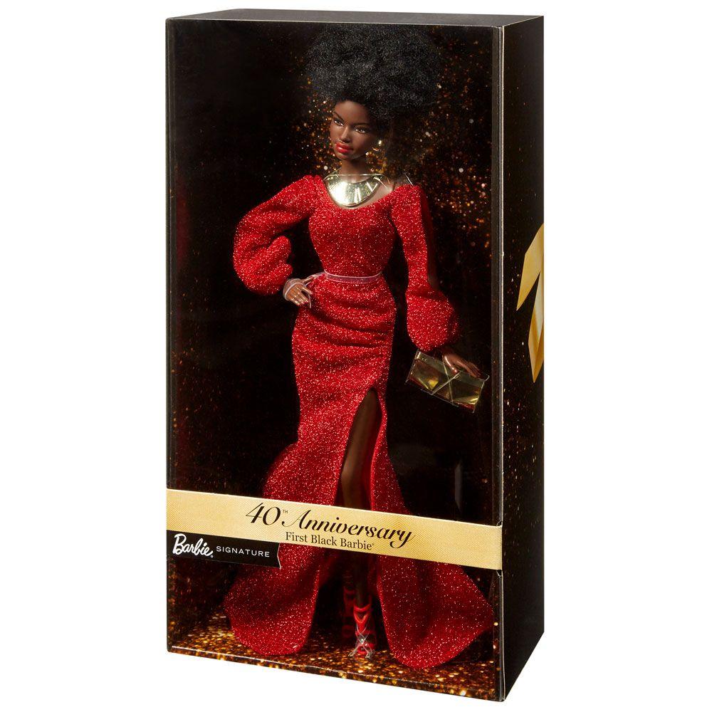 Papusa Barbie de colectie a 40-a aniversare First Black Barbie imagine hippoland.ro