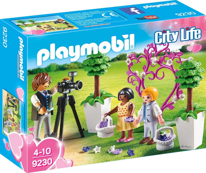 Playmobil PM9230 Copii Cu Flori Si Fotograf imagine hippoland.ro